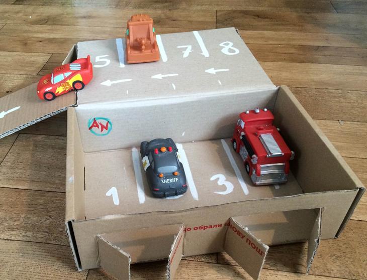 Как сделать ребенку гараж для машинок своими руками 71
